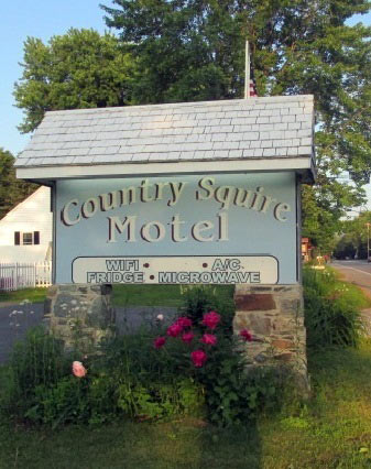 Littleton New Hampshire The Country Squire Motel